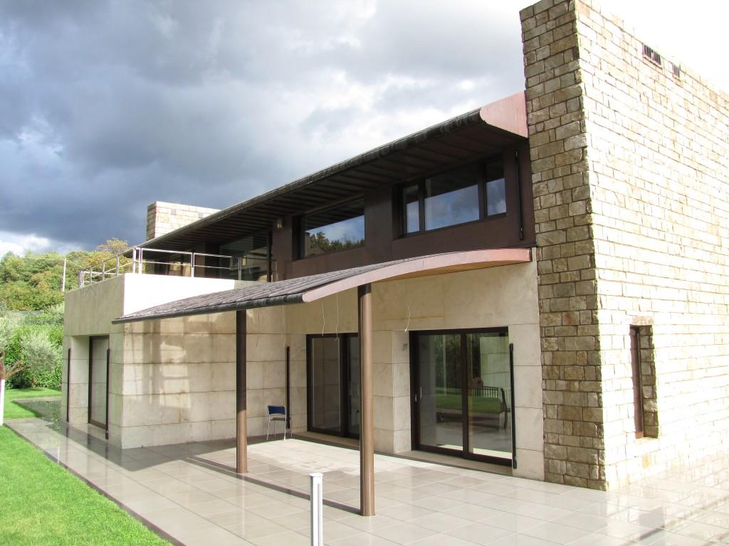 Villa privata avellino ruta s r l tecnologie for Facciate moderne
