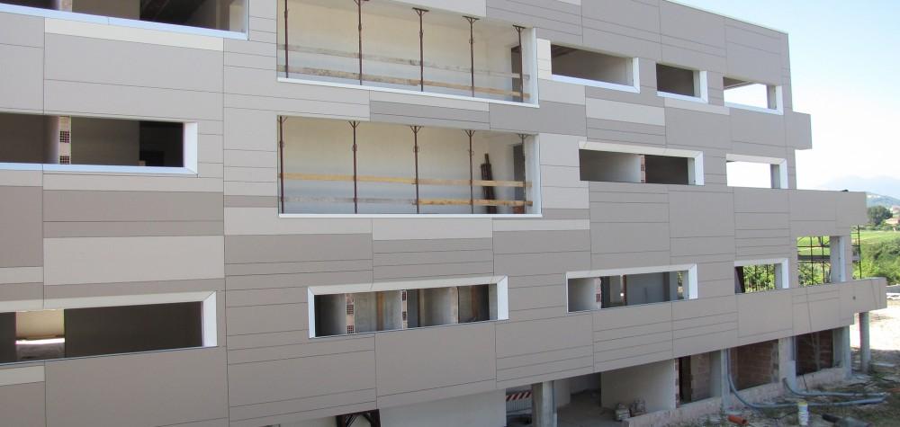 Pannelli trespa meteon per una facciata ventilata for Pannelli resistenti al fuoco per rivestimenti di case